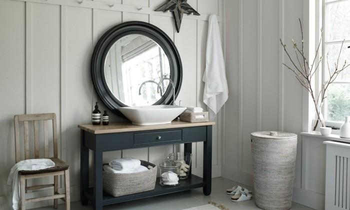 Waschtisch Holz Selber Bauen ~ waschtisch holz runder spiegel kleines schönes badezimmer