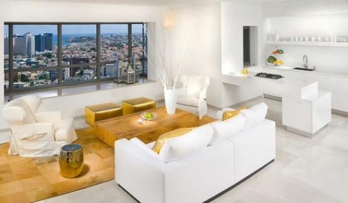 Weiße Möbelstücke Farbe Gold Im Luxuriösen Wohnzimmer