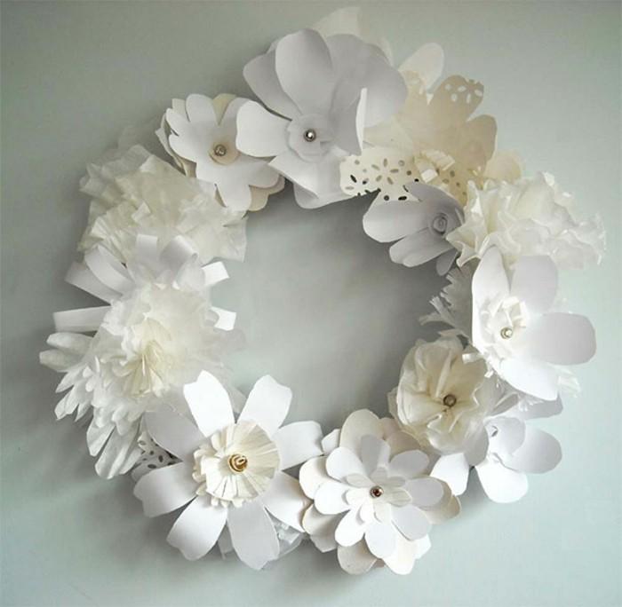 weißer-schöner-kranz-bastelideen-aus-papier-elegantes-aussehen