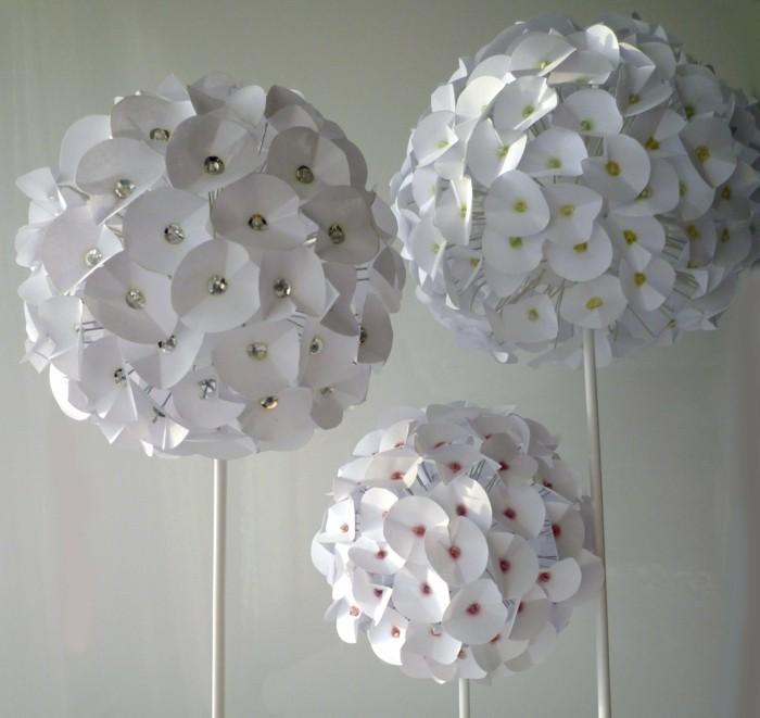wunderschöne-blumen-basteln-herrliche-gestaltung-weiße-farbe