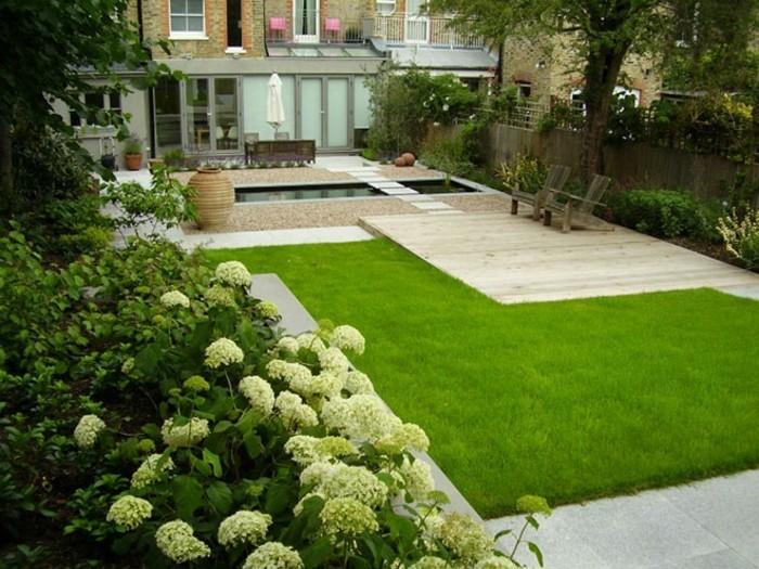 wunderschöne-terrasse-ausstatten-grüner-gras