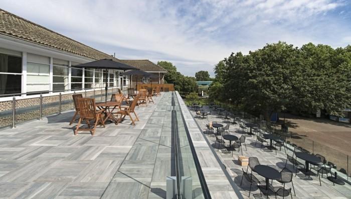 wunderschöne-terrassengestaltung-ideen-modernes-design