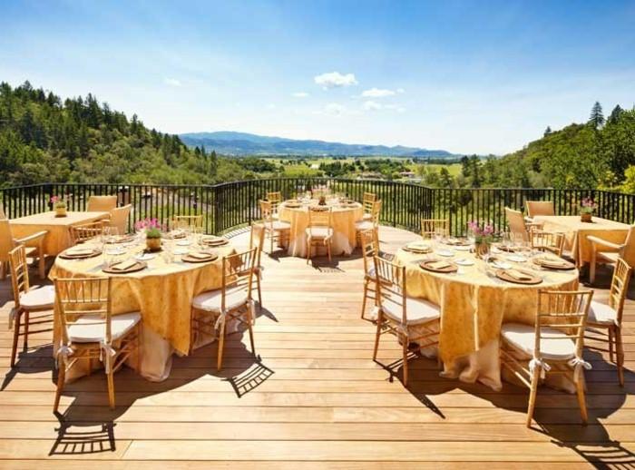 wunderschönes-bild-von-terrasse-effektvolle-ausstattung