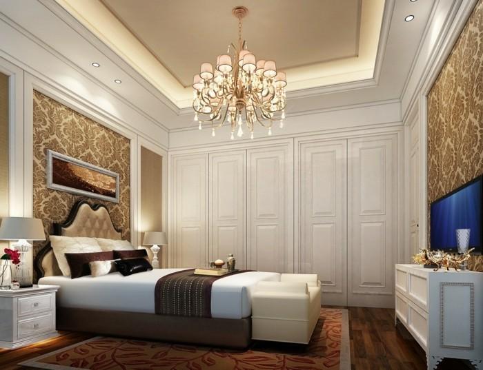 wunderschönes-modell-kronleuchter-im-eleganten-schlafzimmer