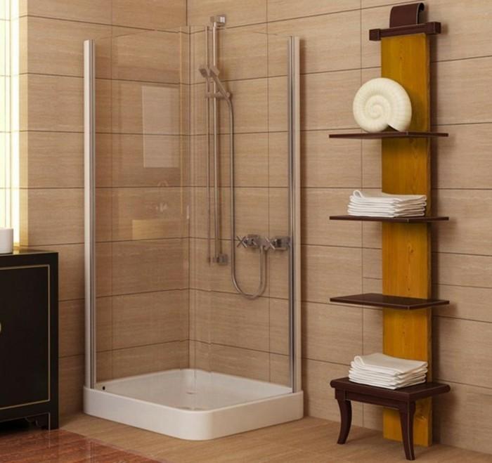 wunderschönes-modell-walk-in-dusche-aus-glas-gemütliches-badezimmer