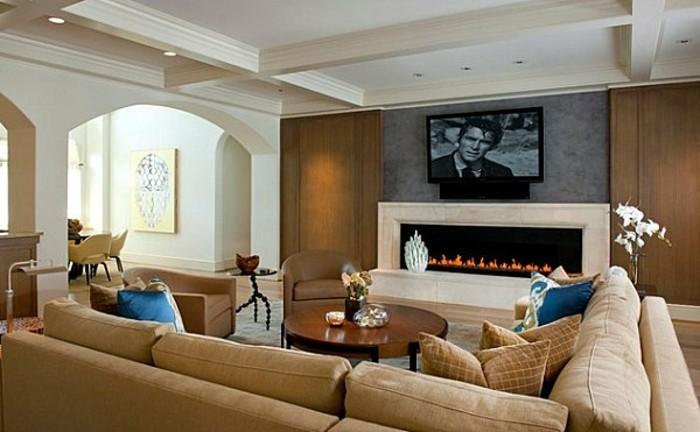 wunderschönes-wohnzimmer-in-beige-interessante-möbelstücke