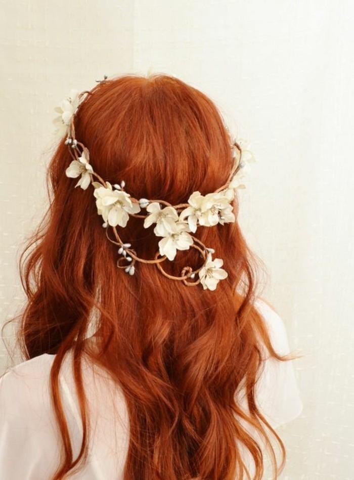 zärtlicher-Haarschmuck-Blumen-geeignet-für-Bräute