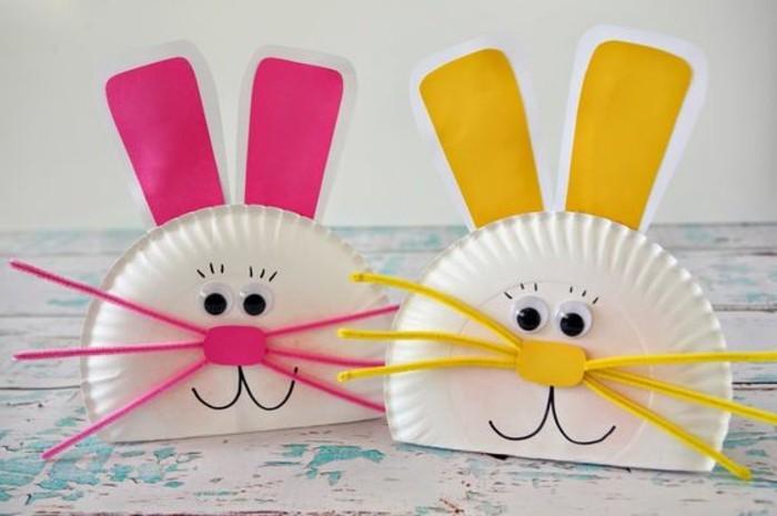 zwei-sehr-süße-lustige-hasen-osterbasteln-mit-papier