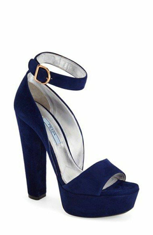 0-aktuelles-Modell-Sandalen-mit-Absatz-in-Blau
