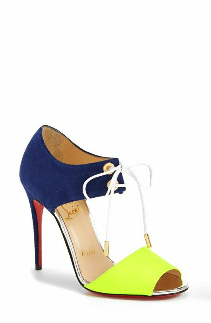 00-cooles-Modell-Sandaletten-mit-Absatz-in-süßen-Farben