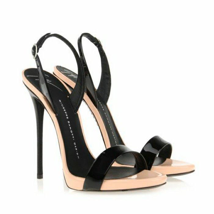 00-elegantes-Modell-schwarze-Sandaletten-mit-Absatz
