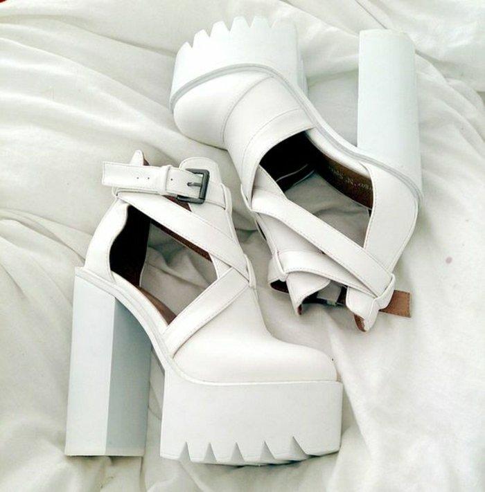 00-originelles-Modell-weiße-Sandalen-mit-Absatz