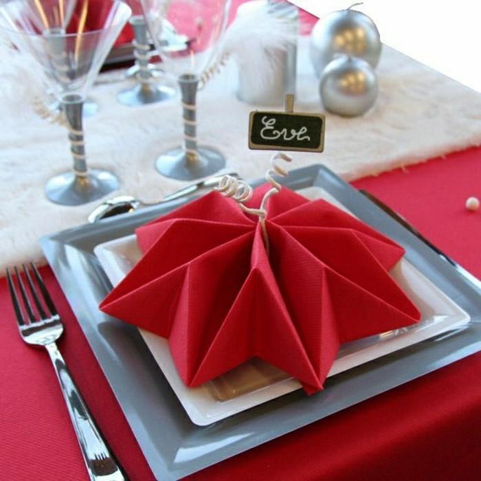 00-rote-Servietten-falten-Stern-Dekoration-für-Partys