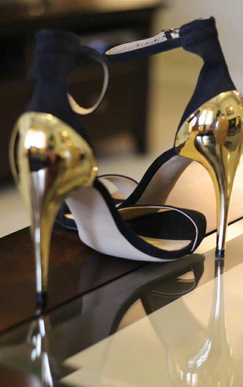 00-unikale-stilvolle-Damen-Sandalen-mit-goldenem-Absatz