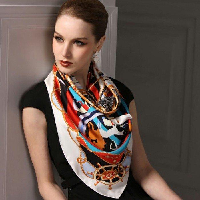 1-elegantes-Modell-Seidenschal-mit-schönem-Muster
