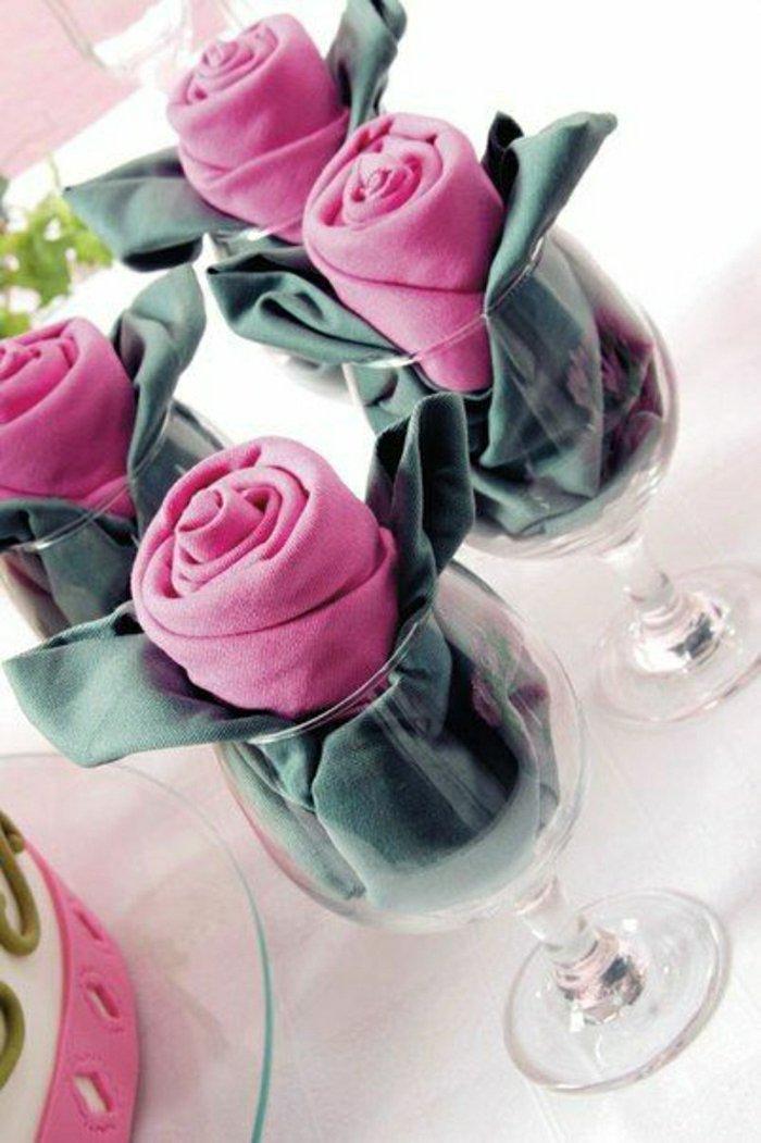 1-originelle-Variante-für-Tischdekoration-Servietten-in-Gläsern
