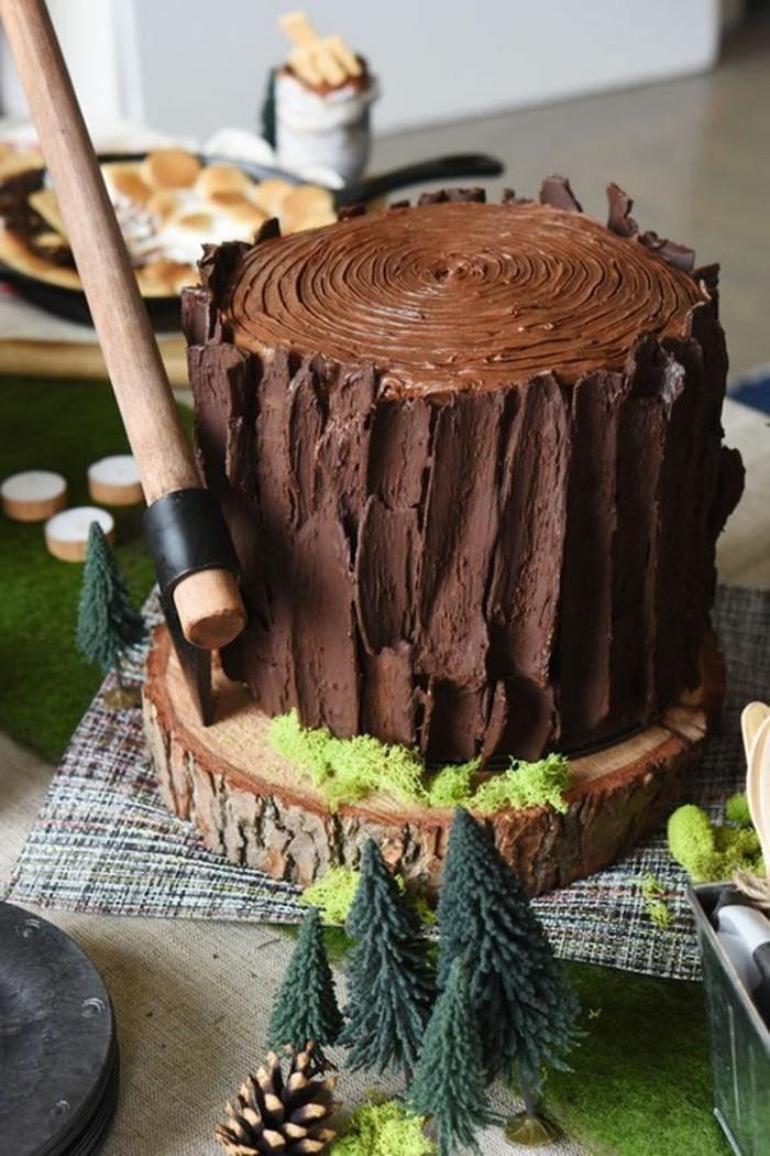 12-coole-Geburtstagstorte-aus-Schokolade-in-der-Form-von-Stumpf