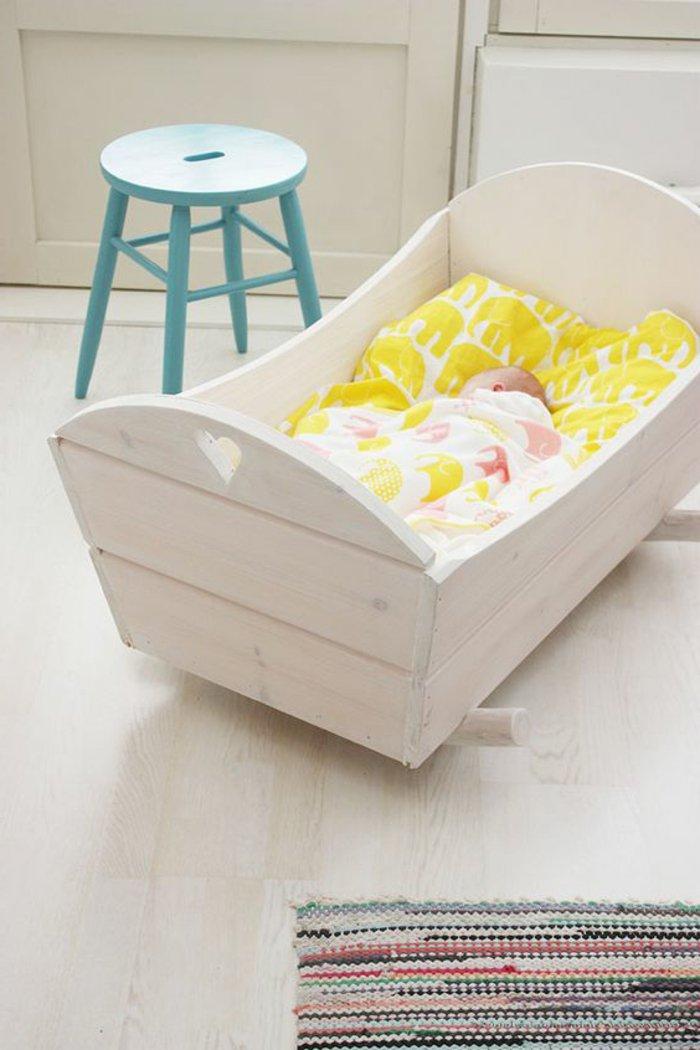 2-kokette-Babybetten-Modelle-aus-Holz