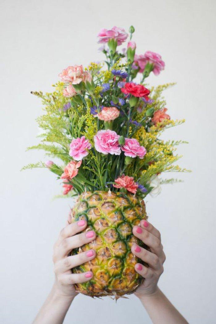 4-herrliche-Frühlingsbilder-Strauß-in-Ananas