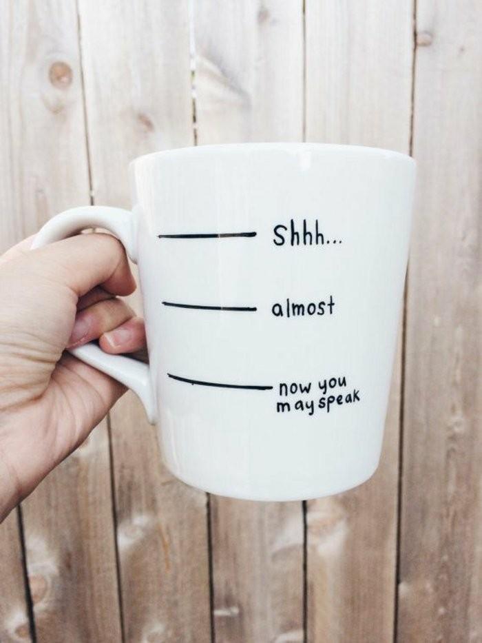 4-originelle-Kaffeebecher-Modelle-mit-lustigem-Bild