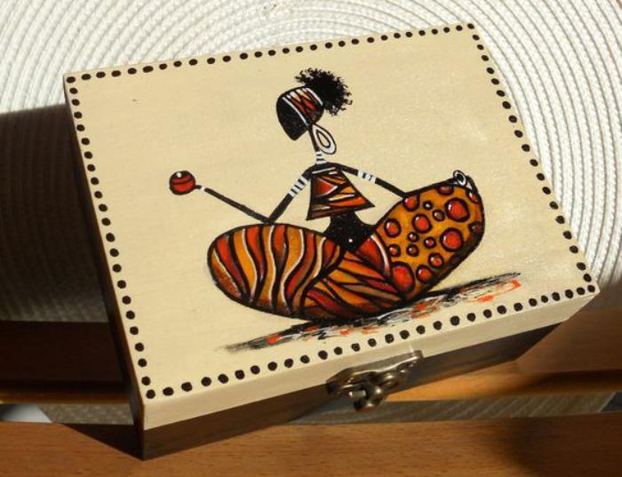 7-Schmuckkästchen-aus-Holz-mit-afrikanischem-Muster