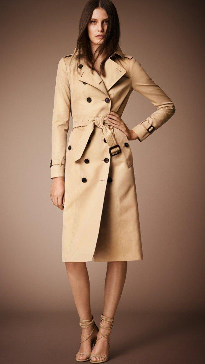 Burberry-Trenchcoat-Damen-mit-Gürtel