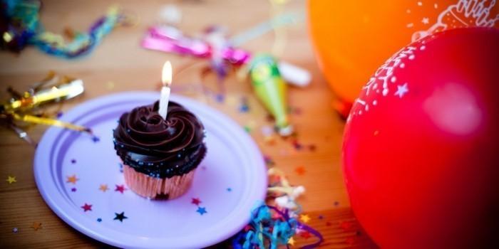 Cupcake-mit-Schokolade-statt-Geburtstagstorte