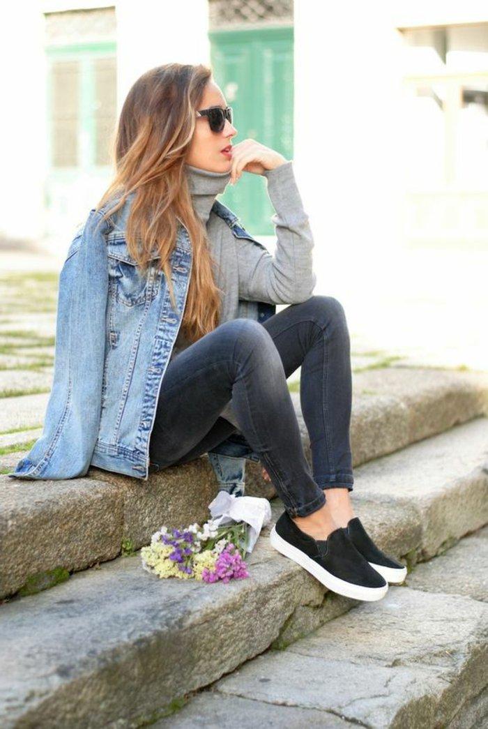 Damenjacke-aus-Denim-slim-Jeans-grauer-Pullover