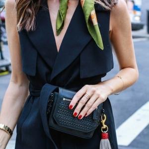 Der Seidenschal - das perfekte Accessoire für Ihr Outfit!