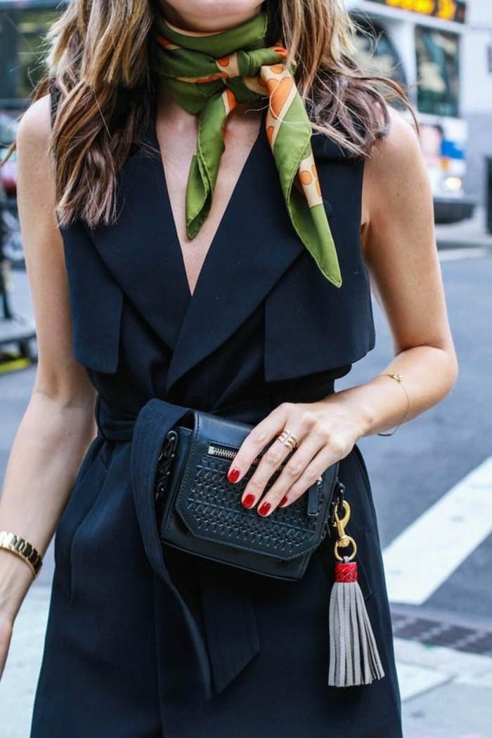 Designer-Schal-in-grüner-Farbe