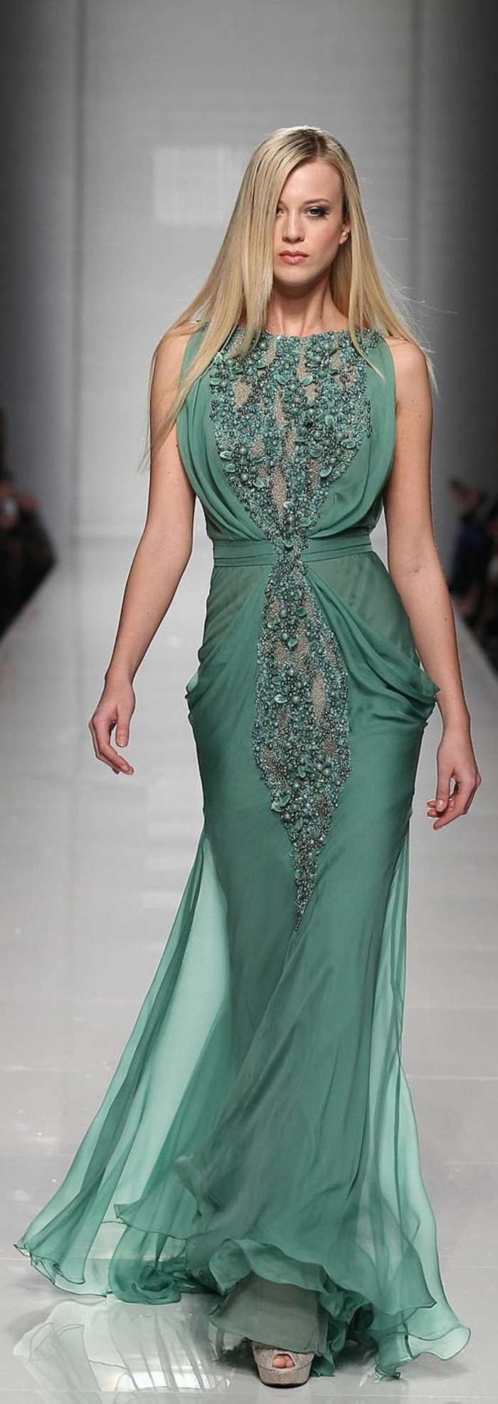 Elegante-Kleider-grün-haute-couture