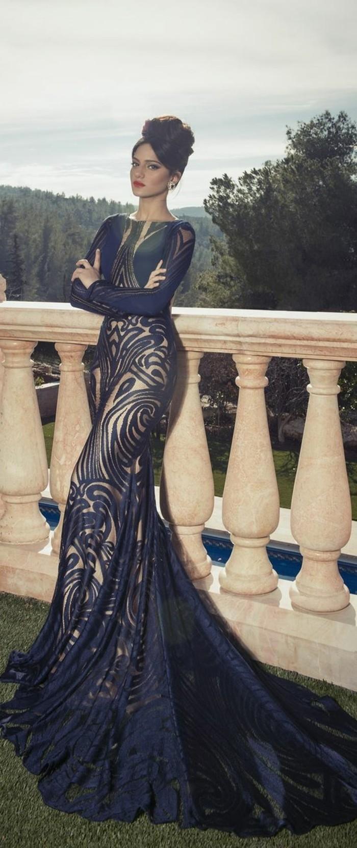 Elegante-Kleider-mit-schleppe