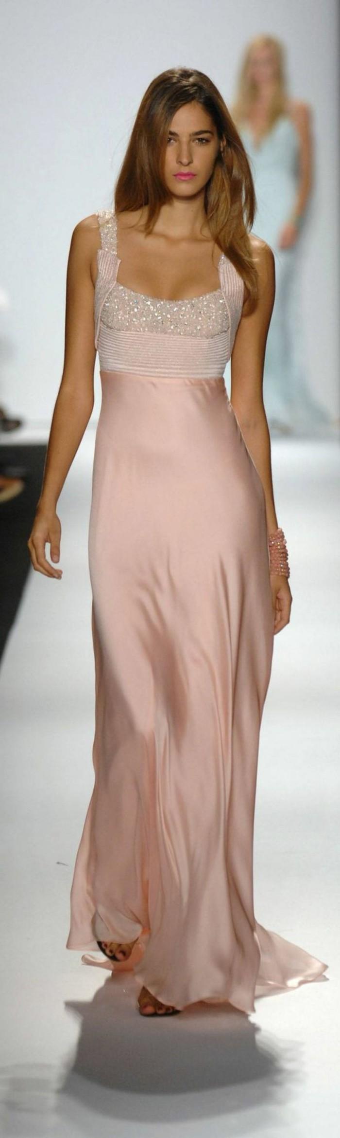 Elegante-Kleider-mit-träger-haute-couture