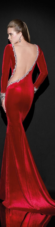 Elegante-Kleider-rot-rückenfrei