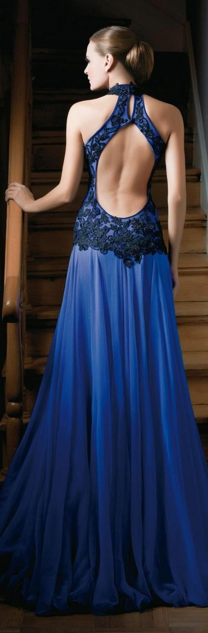 Elegante-kleider-dunkel-blau-und-lang