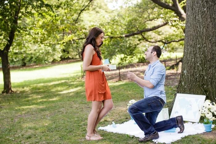 Heiratsantrag-Ideen-in-den-Park