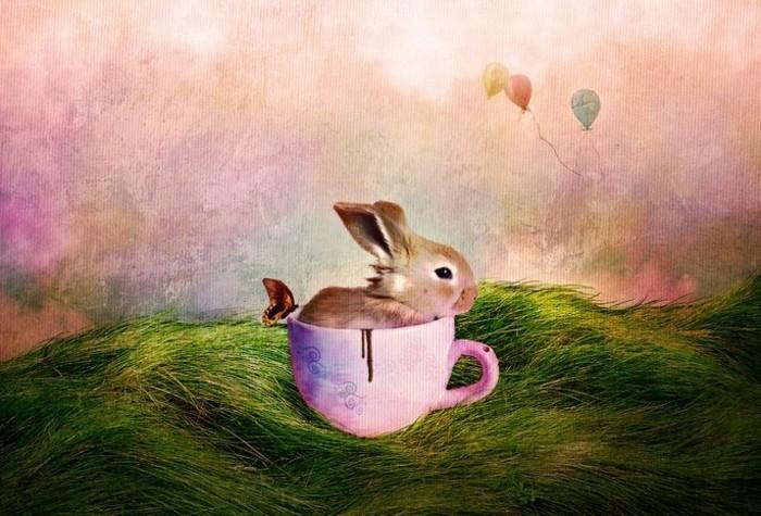Hintergrundbild-Ostern-mit-Hase-in-einer-Tasse