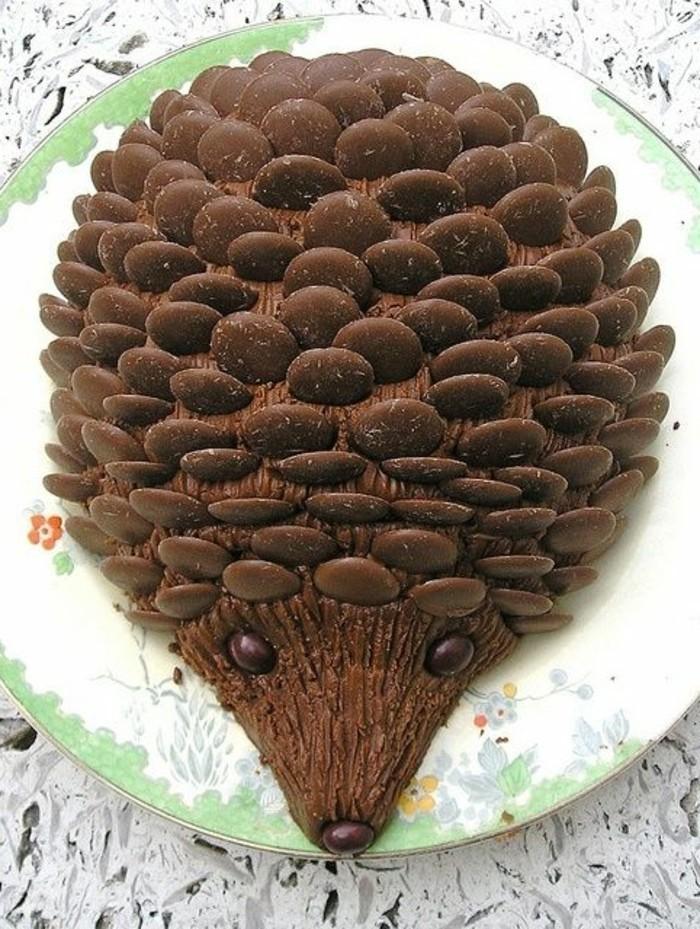 Idee-für-Torte-Igel-aus-Schokolade