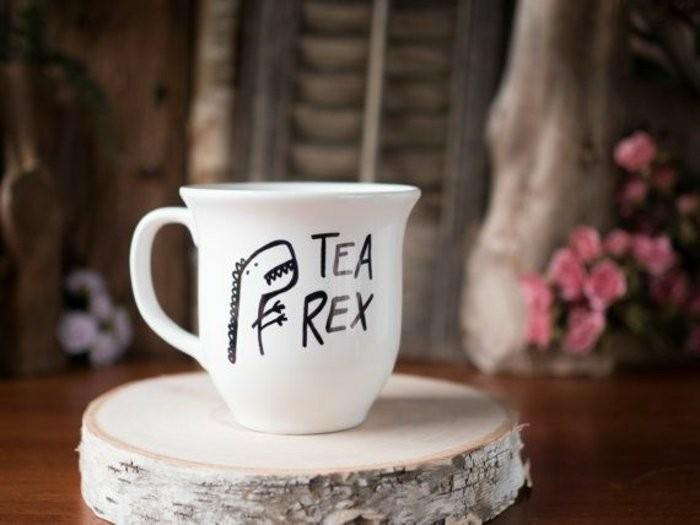 Teetasse-mit-lustigem-Bild-drauf