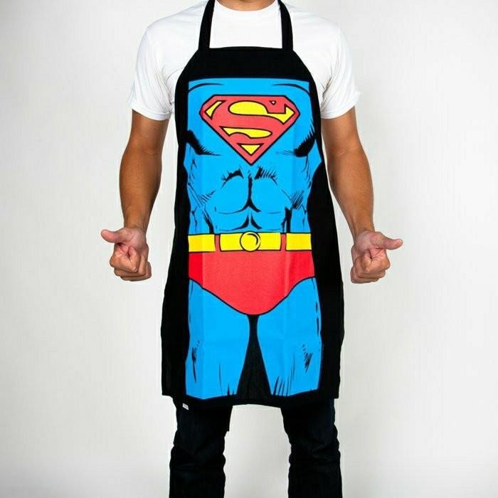 Kochschürze-mit-dem-Kostüme-des-Supermans