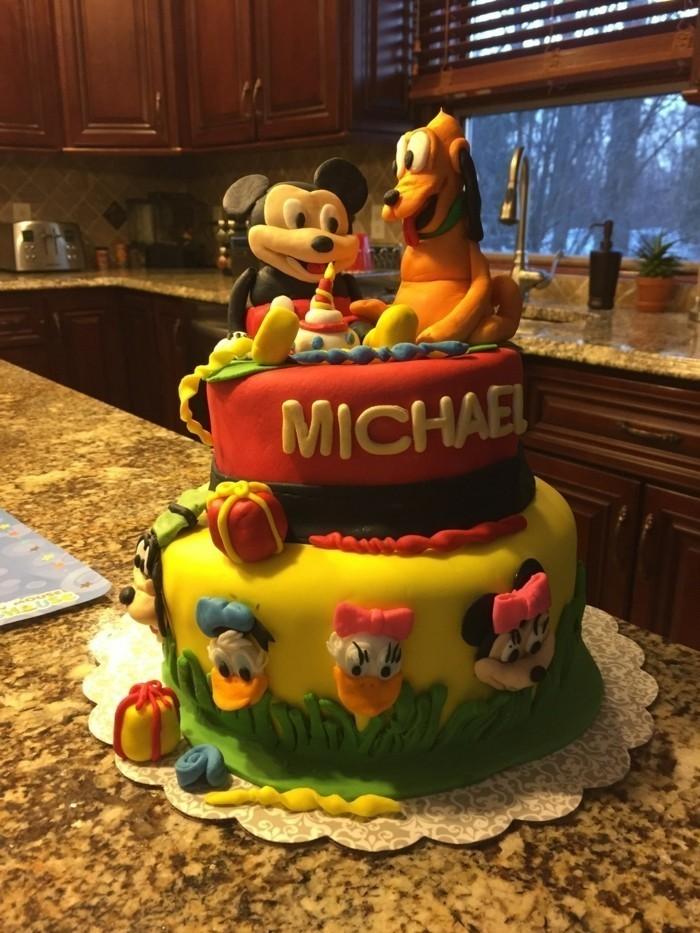 Kuchen-für-Kindergeburtstag-mit-Disney-Motiven