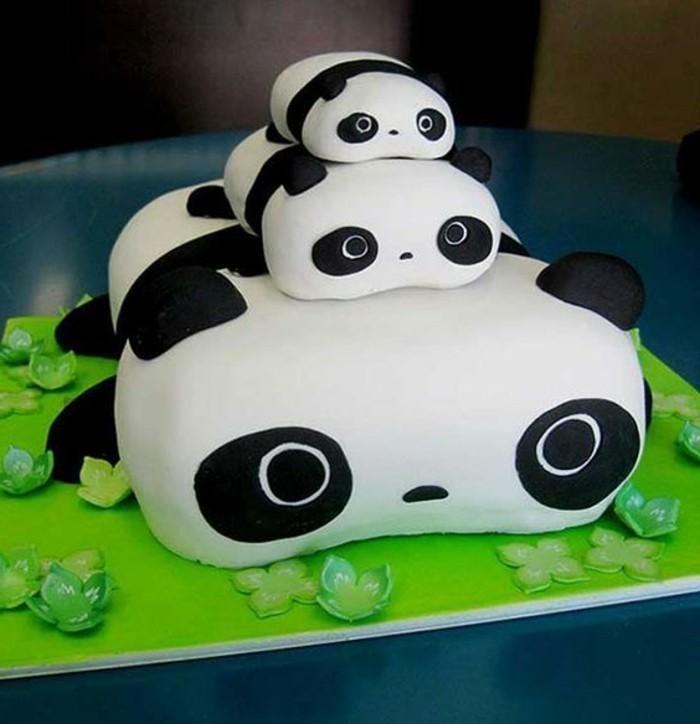 Kuchen-für-Kindergeburtstag-mit-süßen-Pandas
