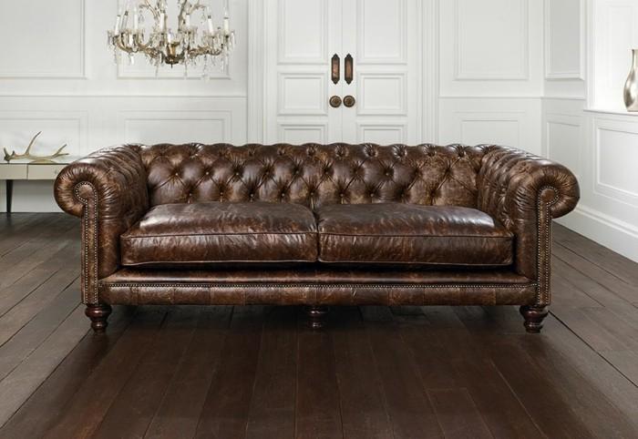 Leder-Zweisitzer-Sofa-ein-stillvoller-Möbel