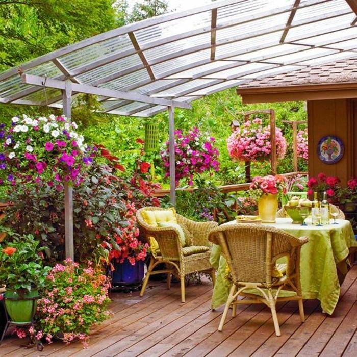 Mein-schöner-garten-mit-bepflanzung-rattan-möbel