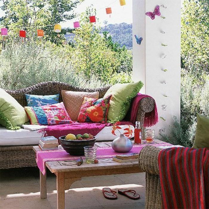 Mein-schöner-garten-rattan-lounge-möbel-und-lichter