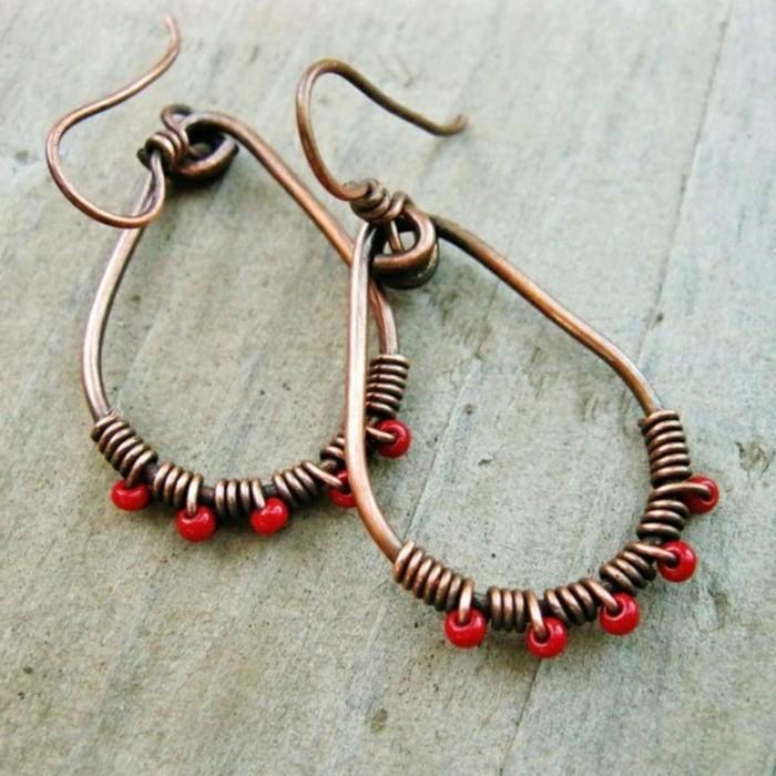 Ohrringe-rote-farbe