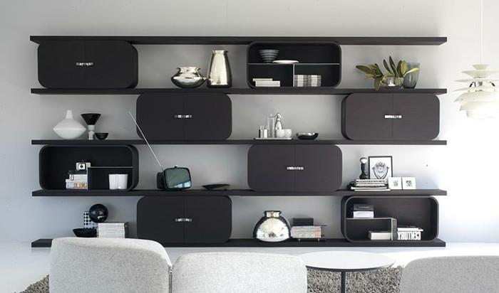Regalsystem-in-schwarzer-Farbe-mit-gerundeten-Teilen
