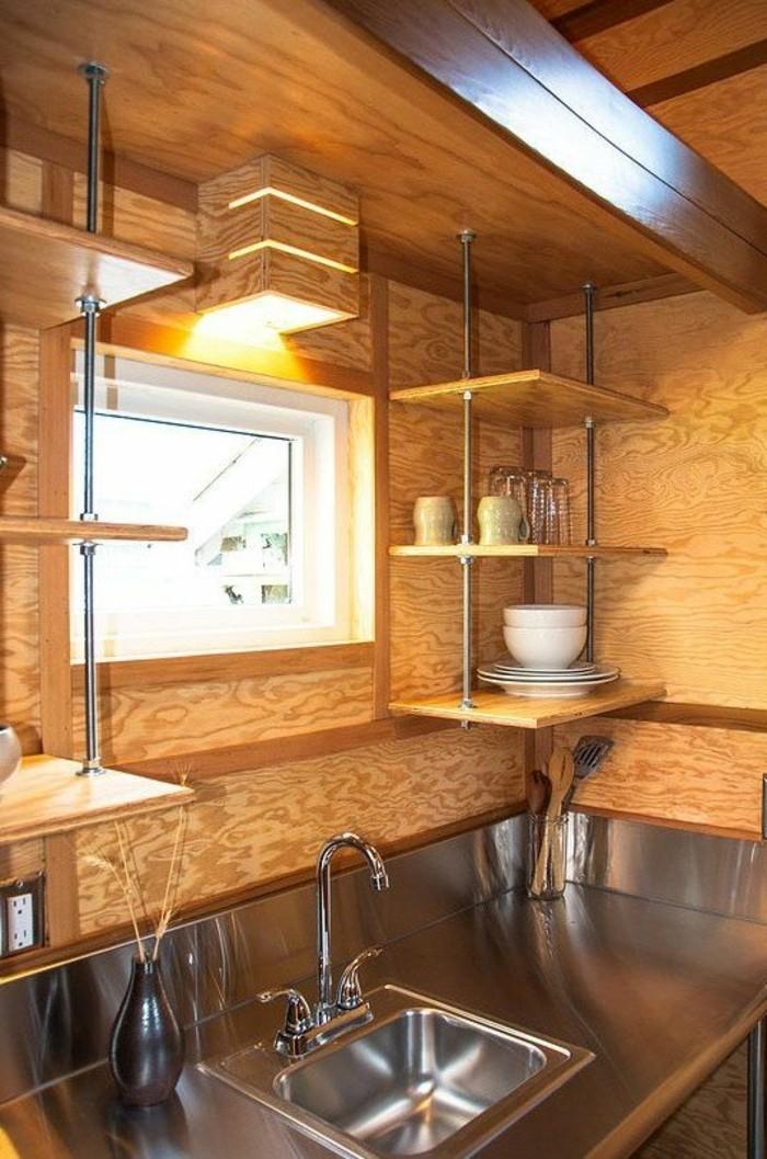 Regalsysteme-Holz-zur-fuktionelen-Küchengestaltung
