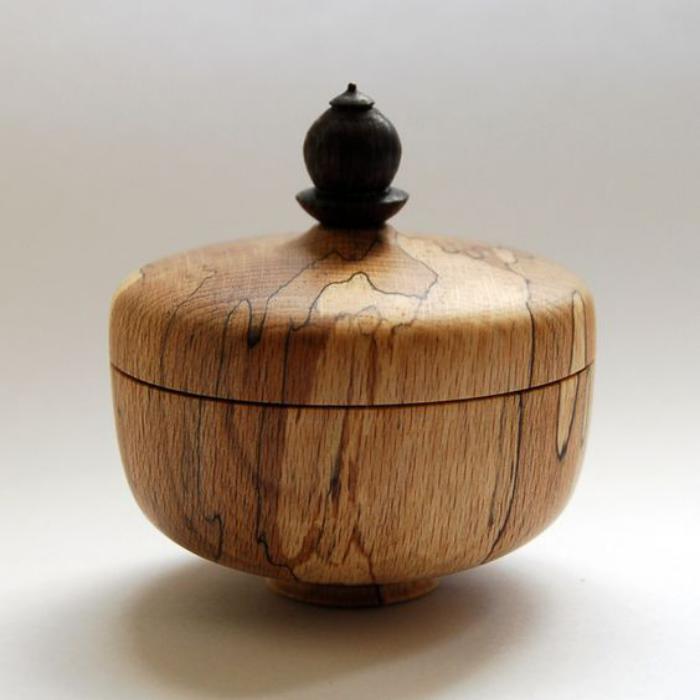 Schmuckkasten-aus-Holz-mit-Schale-Design