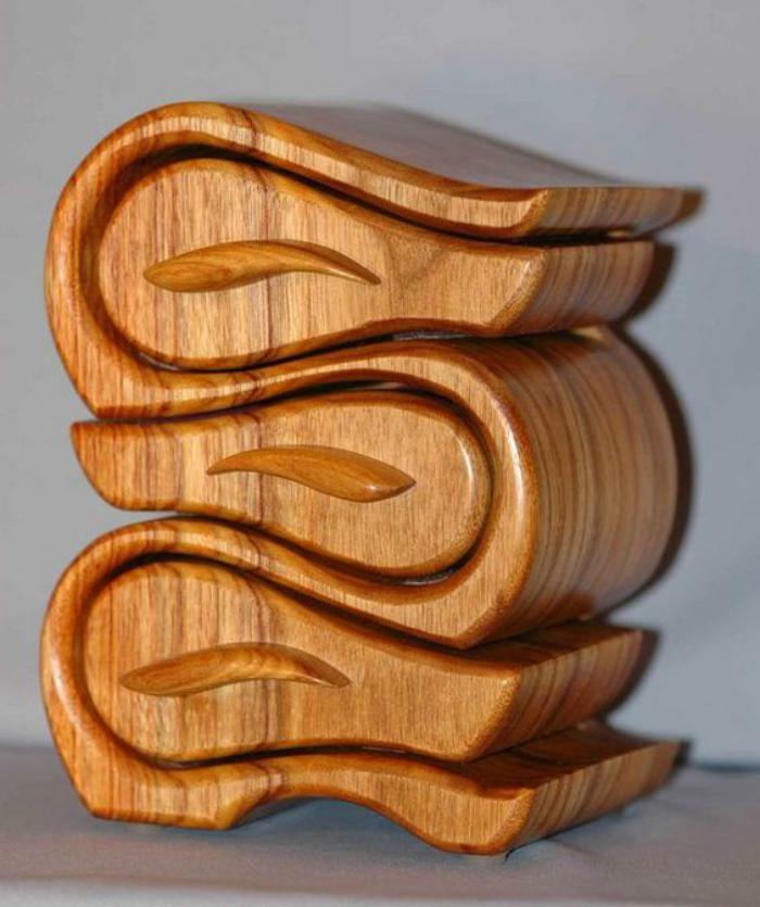 Schmuckkasten-mit-feinem-Design-aus-Holz